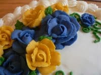 little-red-hen-bakery-icing-roses